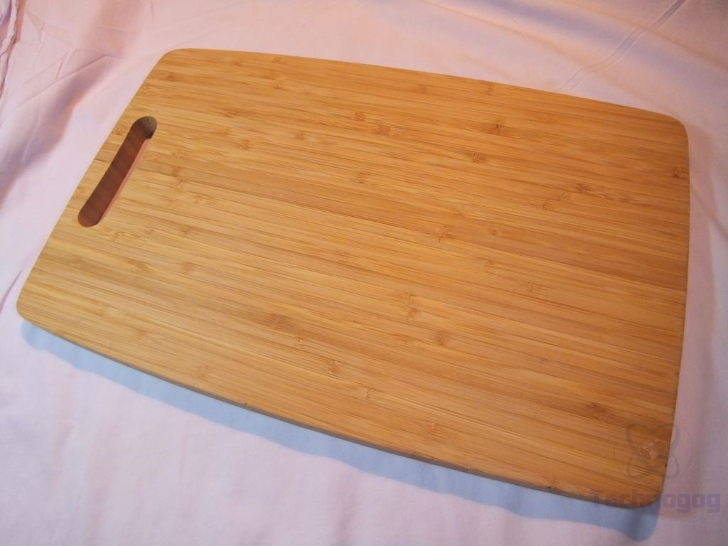 review of naturelle living large thick bamboo cutting board technogog. Black Bedroom Furniture Sets. Home Design Ideas