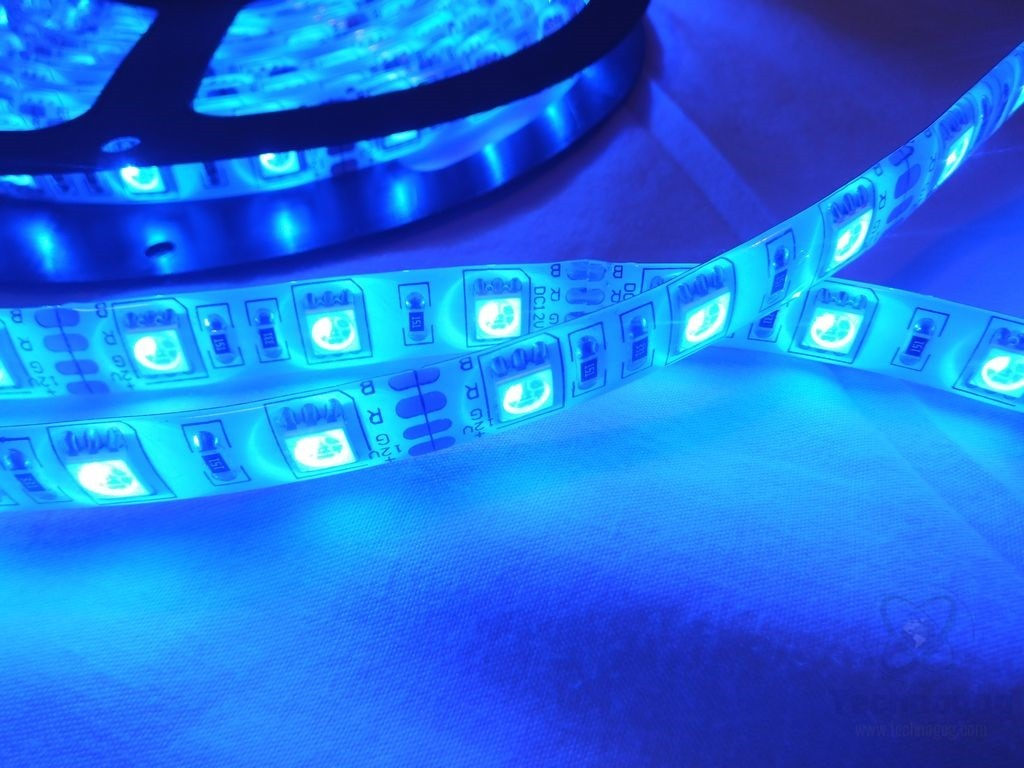 Review of oxyled ocd 83 300 led 164ft waterproof rgb strip light im back today with a review of more lights or 300 leds to be specific in a 164 foot strip that are actually waterproof so you could even mount them mozeypictures Images