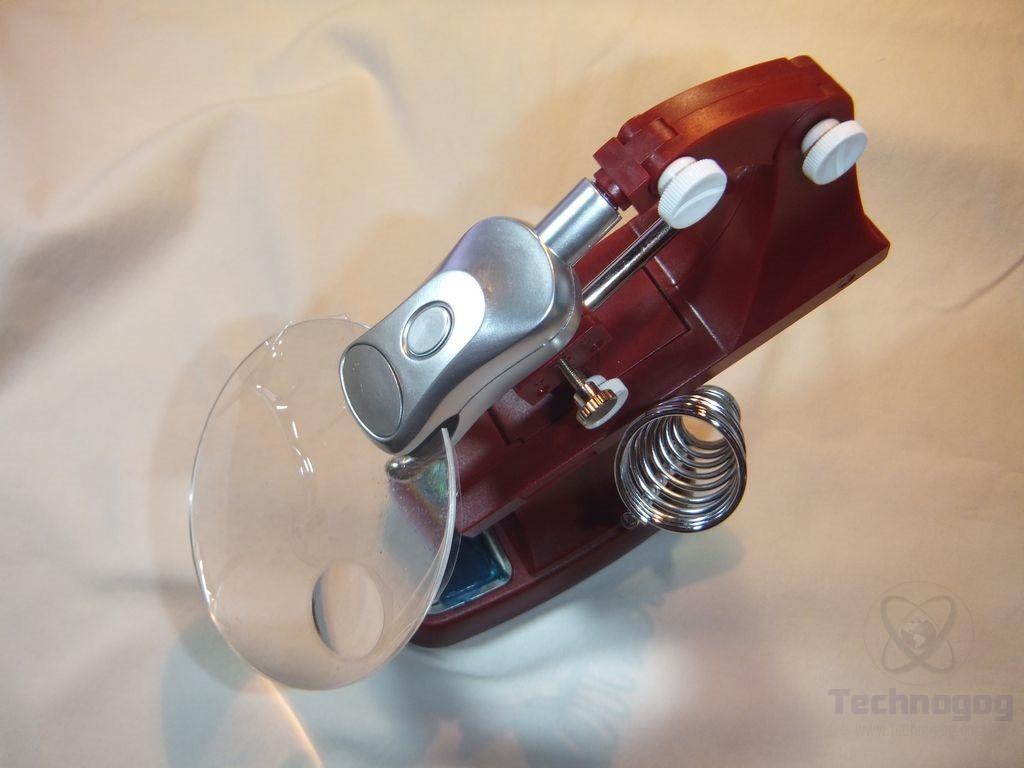 review of kitclan helping hands soldering station technogog. Black Bedroom Furniture Sets. Home Design Ideas