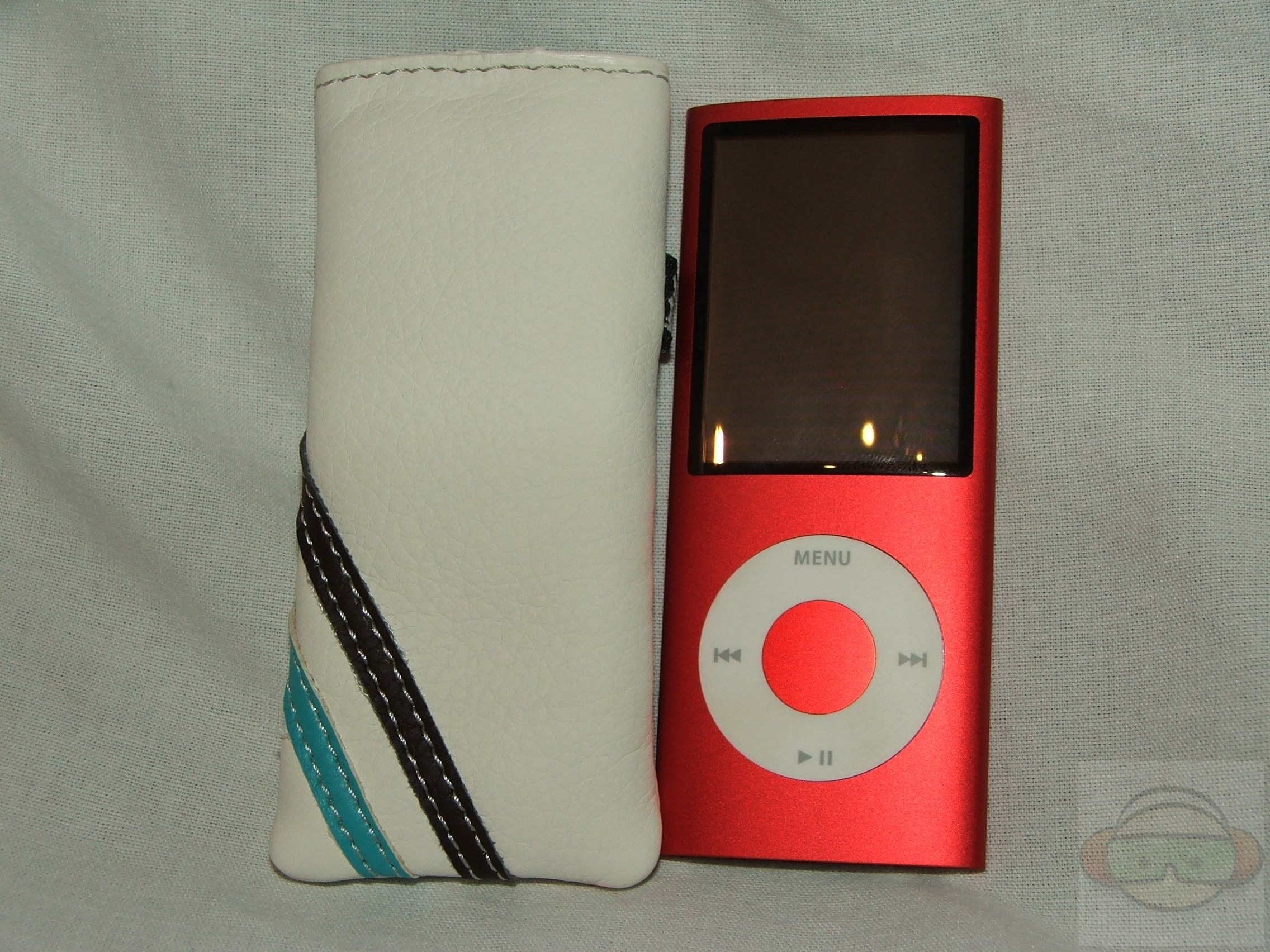 Proporta Mini Maya Pouch Apple 4g Ipod Nano Technogog
