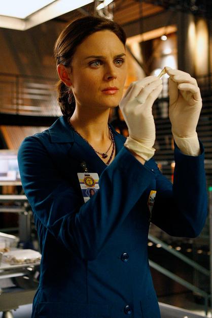 Bones Emily Deschanel Technogog