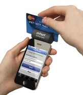 GoPayment_Card_Reader_hand_swiping