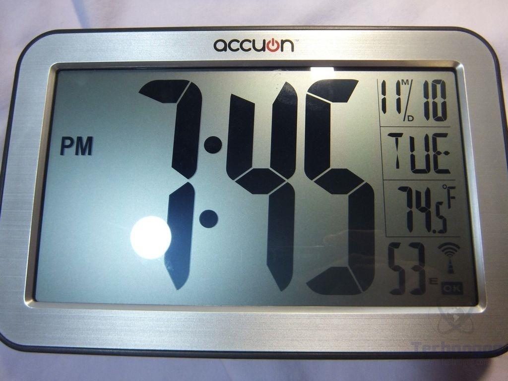 Review Of Accuon Digital Atomic Desk Wall Clock Technogog