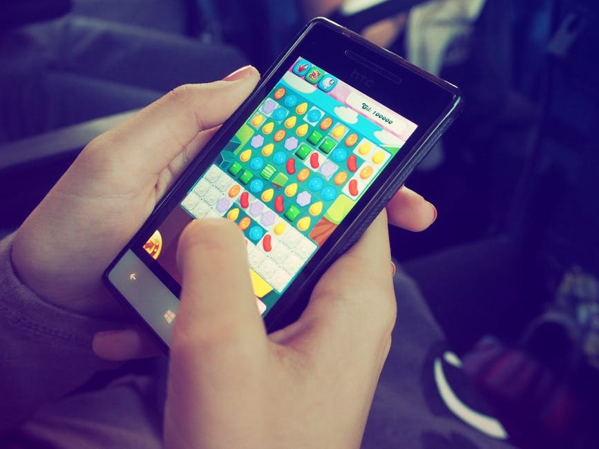The Gap Between Console and Mobile Gaming is Now Smaller Than Ever |  Technogog