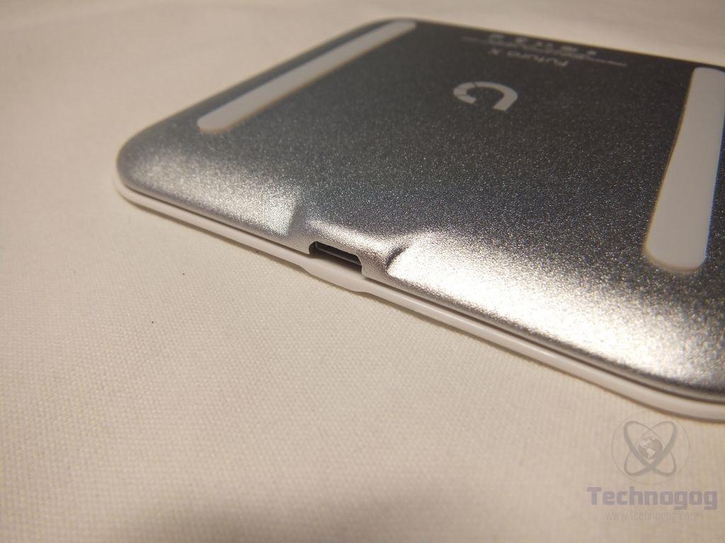 Review of BEZALEL Futura X Qi Wireless Charging Pad | Technogog