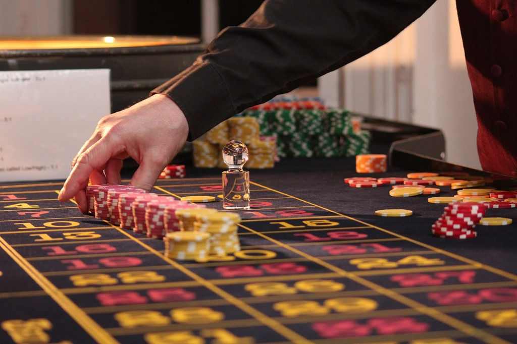 What Do You Need to Know to Start Online Gambling? | Technogog